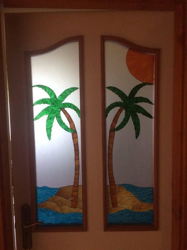 Festett ajtóüveg